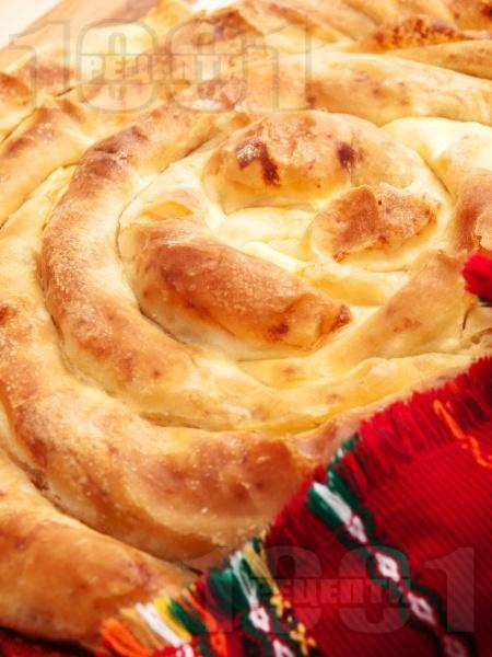 Точена вита баница с яйца и сирене (с мая) - снимка на рецептата
